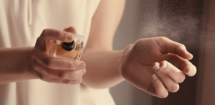 Come far durare più a lungo il profumo