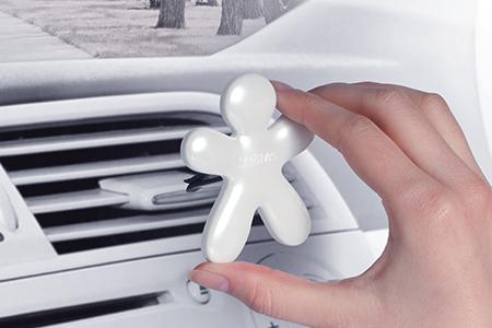 La fragranza migliore e più elegante... per la tua auto!